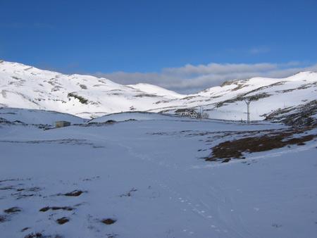 Caminando hacia la Estación de esquí de Lunada